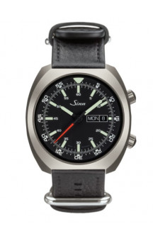 Sinn Art-Nr. 240.010 Sporty Watch With Inner Pilot Bezel Dual Apple System